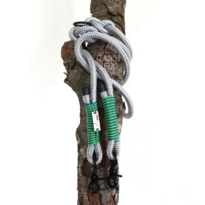 Gassizeug PPM Leine grau mit grün und blau, Scherenkarabiner schwarz, Kunststoff-Endkappen